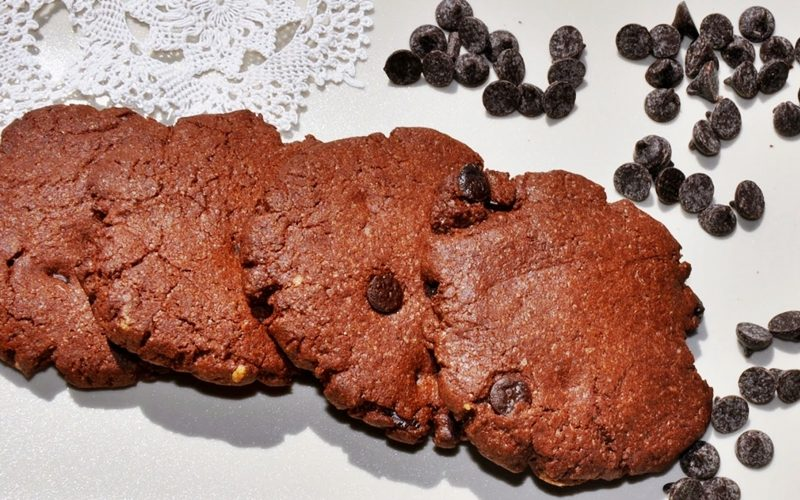 Damla Çikolatalı Kakaolu Kurabiye Tarifi