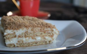Burçak Bisküvili Muhallebili Pasta Tarifi