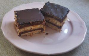 Etimekli Kakaolu Bisküvili Pasta Tarifi