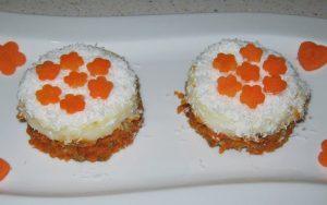 Havuçlu Bisküvili Muhallebili Pasta Tarifi