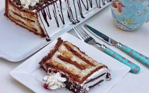 Krem Şantili Muzlu Bisküvili Pasta Tarifi