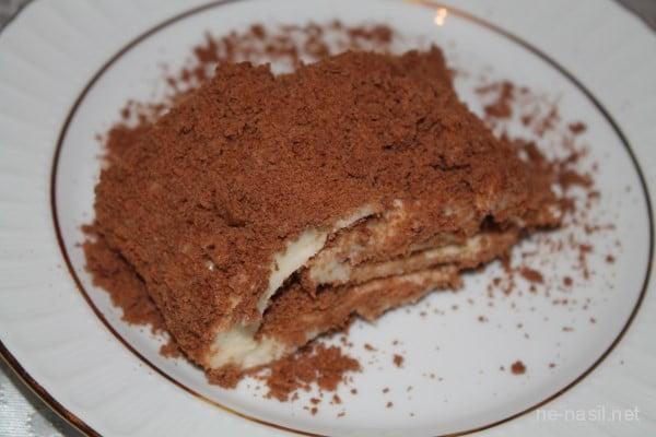 Bisküvili Muhallebili Rulo Pasta Tarifi