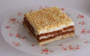 Tavuk Göğsü Bisküvili Pasta Tarifi