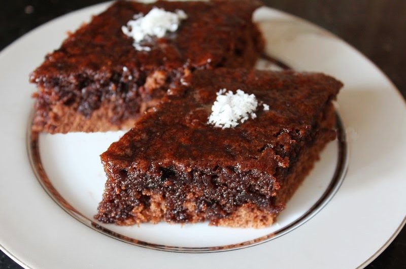 Sütsüz Islak Kek Tarifi