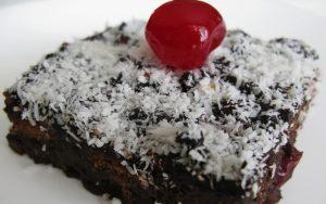 Vişneli Bisküvili Pasta Tarifi