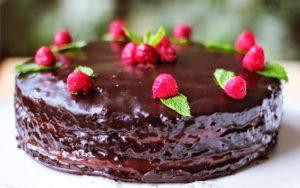 Çikolatalı Ganaj Pasta Tarifi