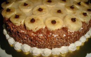 Hazır Kekten Muzlu Pasta Tarifi