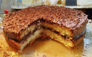Hazır Kekten Yaş Pasta Tarifi