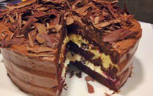 Pastane Yaş Pastası Tarifi