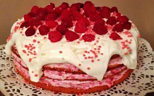 Frambuazlı Doğum Günü Pastası Tarifi