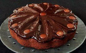 Hazır Çikolata Soslu Kek Tarifi