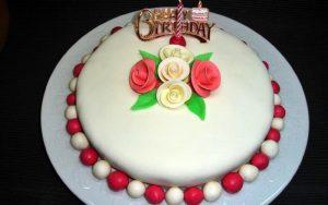 Hazır Kekten Doğum Günü Pastası Tarifi