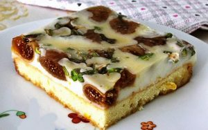İncirli Muhallebili Pasta Tarifi