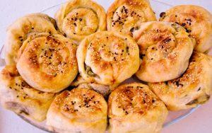 Ispanaklı Peynirli Gül Böreği Tarifi