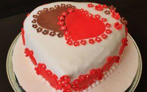 Şeker Hamurlu Kalpli Pasta Tarifi