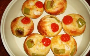 Domatesli Peynirli Poğaça Tarifi