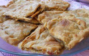 Pırasalı Yoğurtlu Arnavut Böreği Tarifi