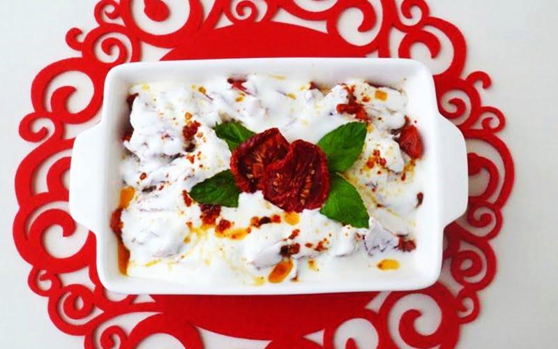 Domates Kurusu Salatası Tarifi