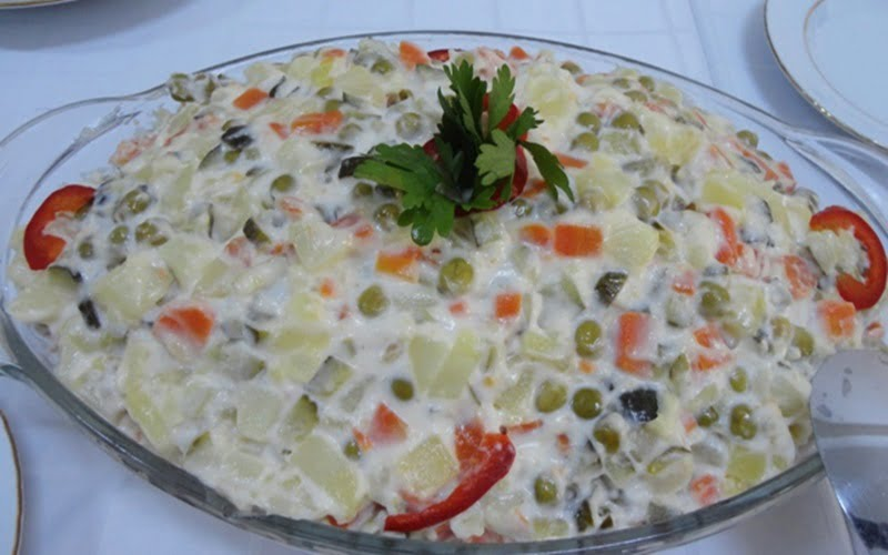 Garnitürlü Rus Salatası Tarifi