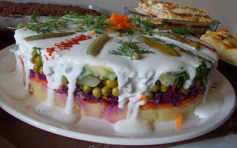 Kelepçeli Kalıpta Patates Salatası Tarifi