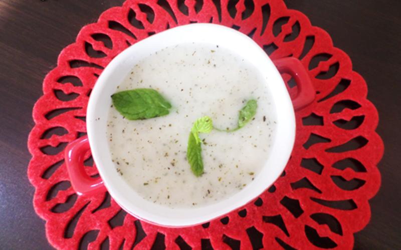 Sade Yoğurt Çorbası Tarifi