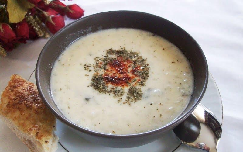 Sarımsaklı Yoğurt Çorbası Tarifi