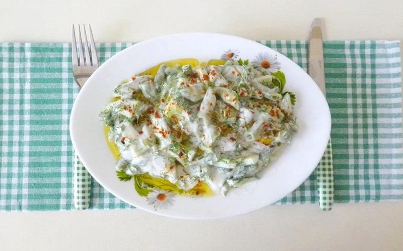 Yoğurtlu Bakla Salatası Tarifi