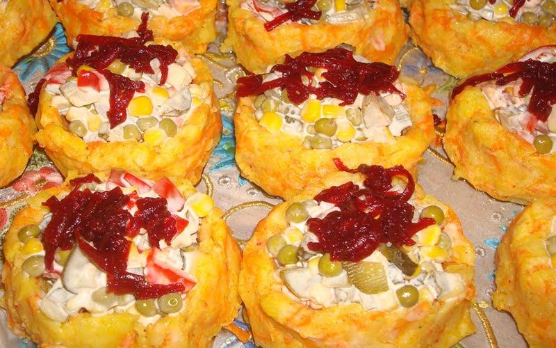 Yoğurtlu Garnitürlü Patates Salatası Tarifi