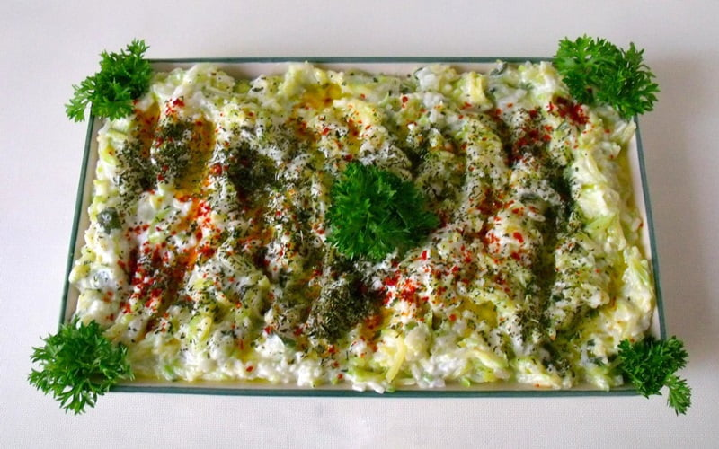 Yoğurtlu Pirinç Salatası Tarifi