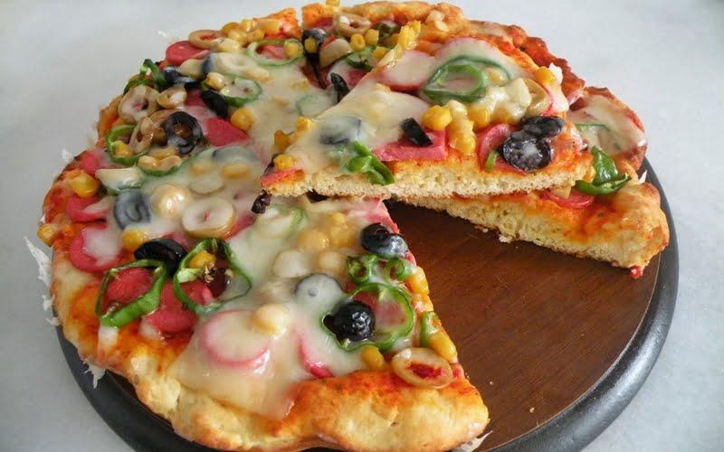 Kabartma Tozlu Pizza Tarifi